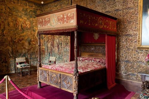 Renaissance bed - mattress stores San Diego