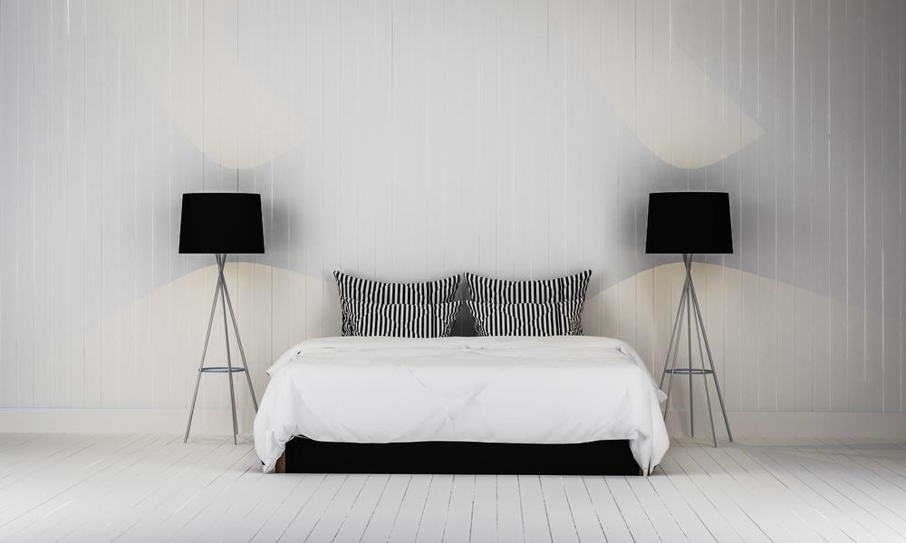 Latex hybrid mattress and minimalist bedroom