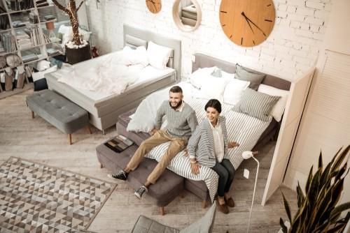 How does a split king mattress work?